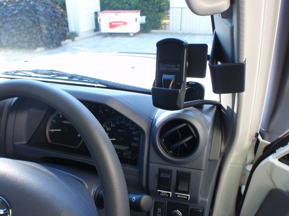 79 Toyota Landcruiser Fitout - phone cradle car with specific mount