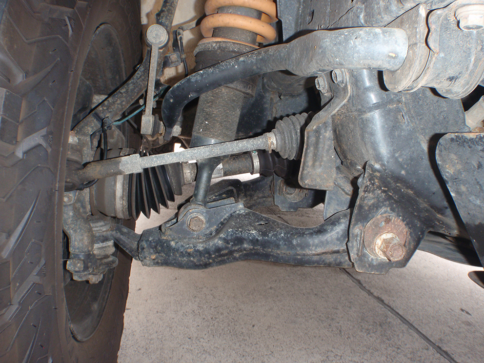 Toyota Hilux Suspension Upgrade - CV angle before