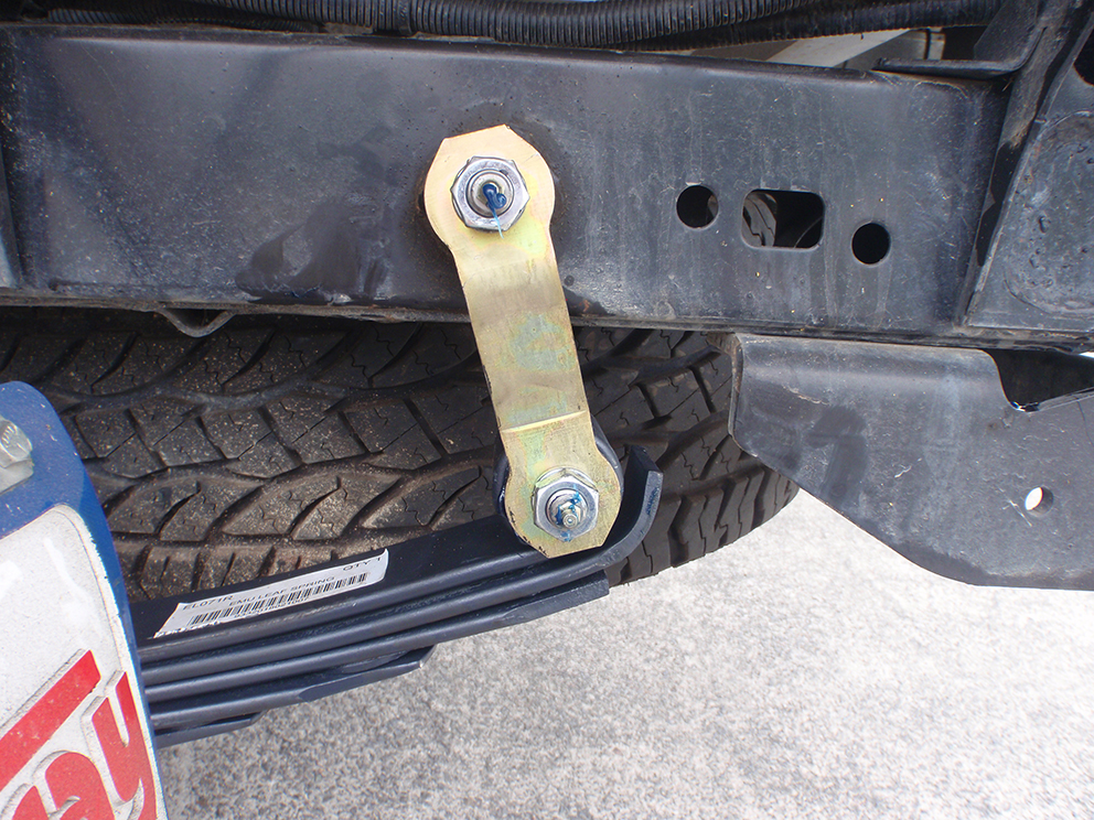 Toyota Hilux Suspension Upgrade - shackle angle after