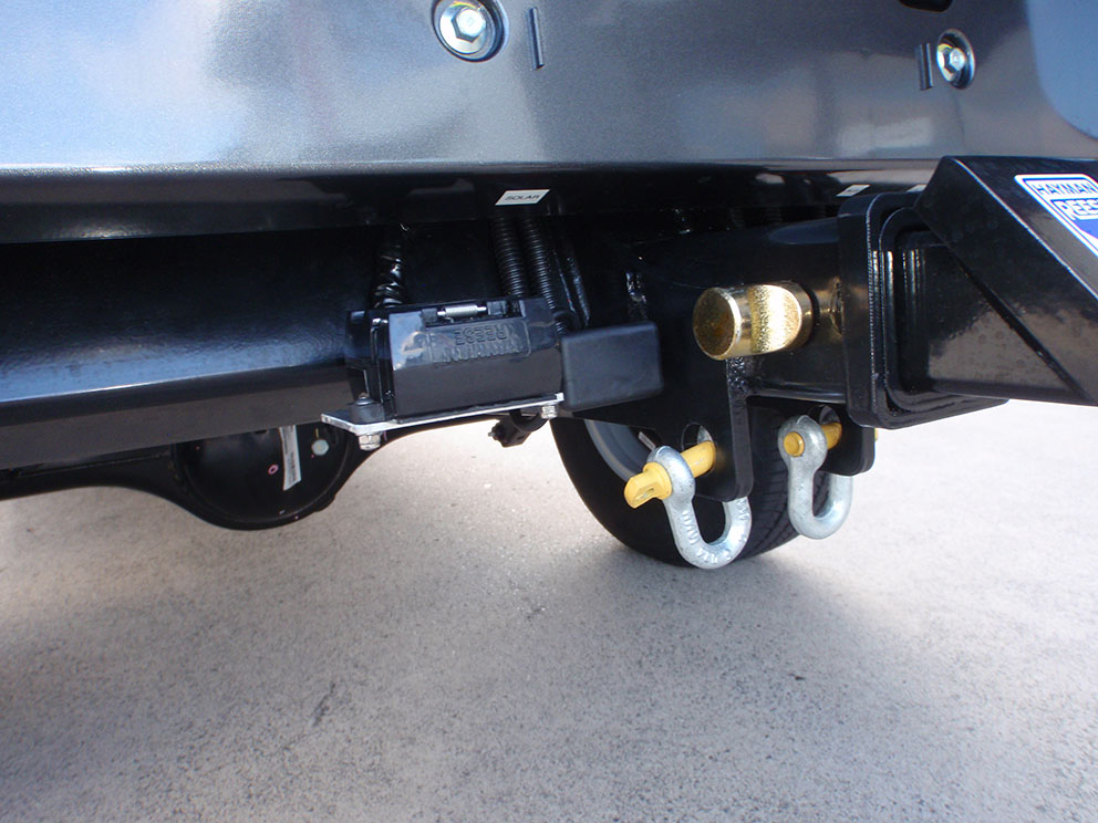 Ford Ranger 12 pin tow plug and anderson plug high mounted for extra ground clearance off road
