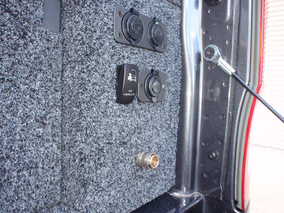Ford Ranger - Air Compressor Outlet Flush Mounted to Drawer System