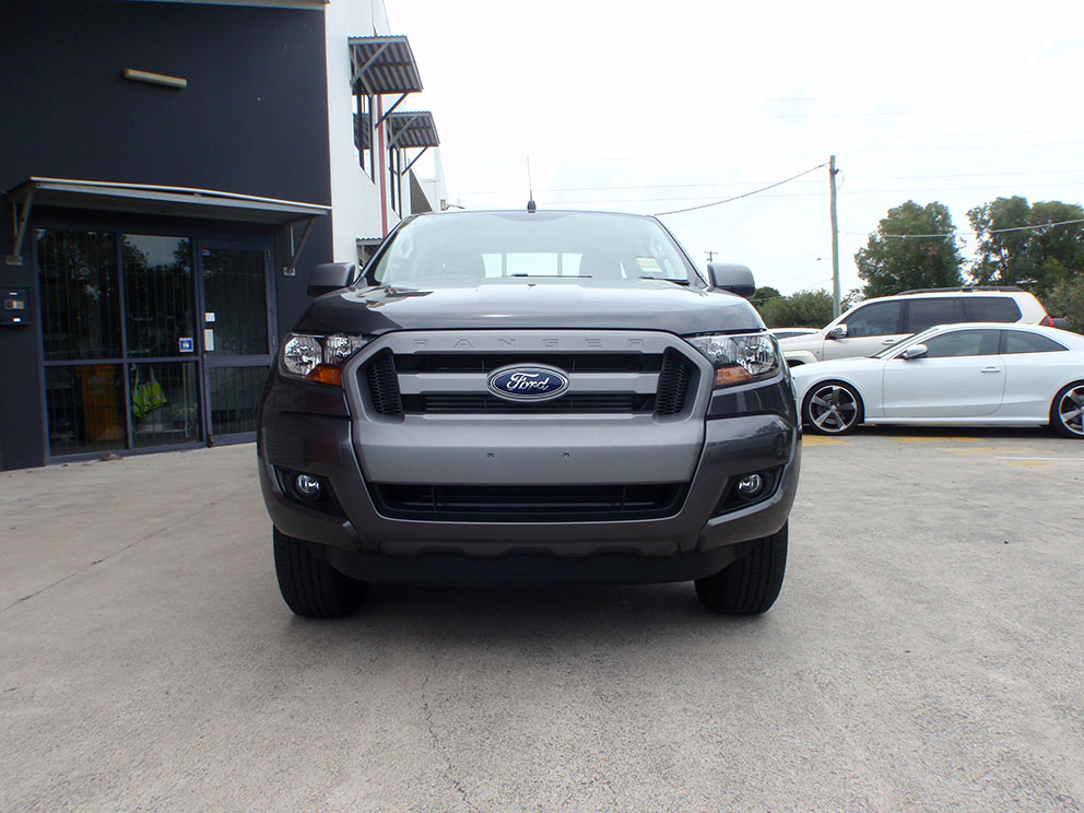 Ford Ranger Before Bullbar and Korr LED spot lights