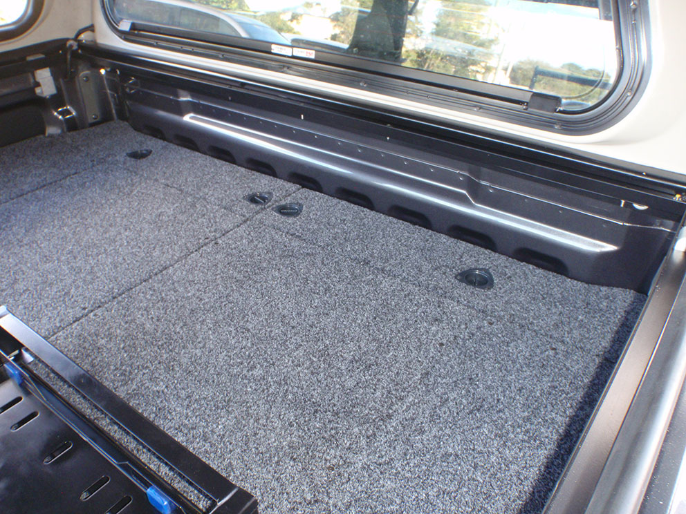 Ford Ranger - Air Compressor System Concealed Below Drawer System