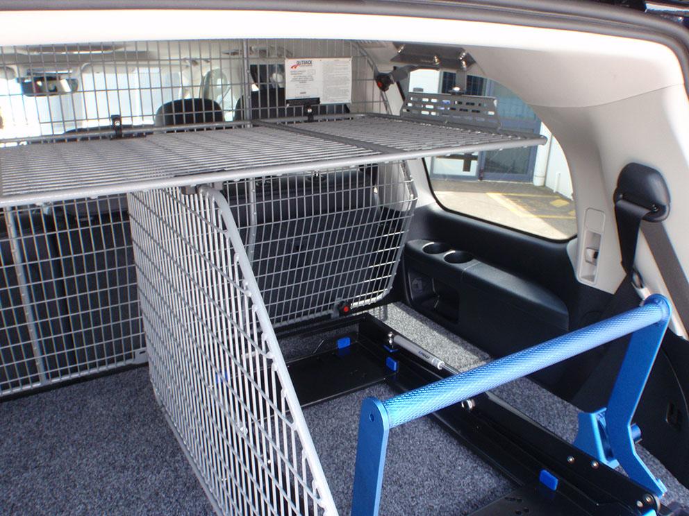 Type 3 - drawer system, fridge drop slide, roof cage, rear divider, cargo barrier