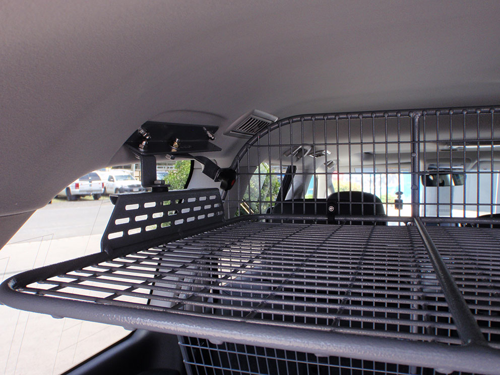 Type 3 - drawer system, fridge drop slide, roof cage, rear divider, cargo barrier