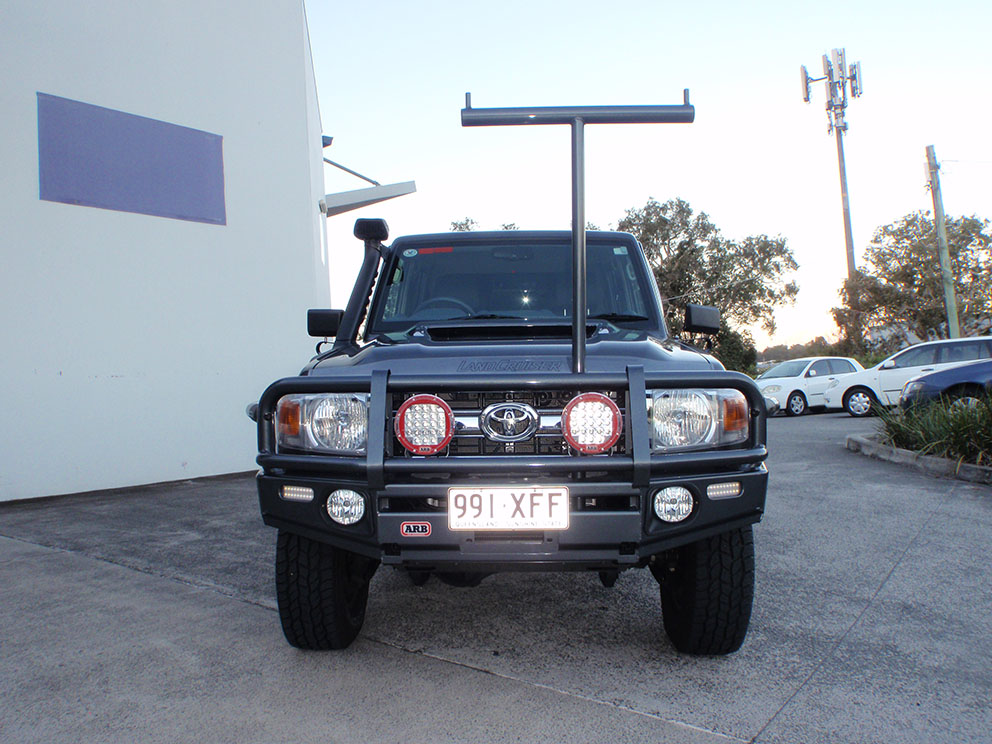 Landcruiser 79 after removable ladder rack